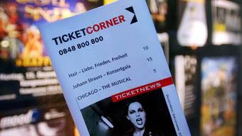 Ein Programmheft von Ticketcorner. Starticket und Ticketcorner wollen fusionieren (Archiv)