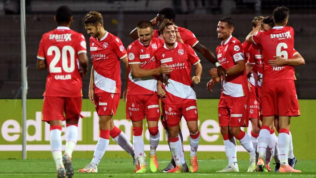 Die Thuner feierten Nias Heftis erstes Tor in der Super League.