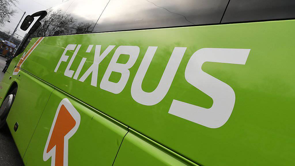 Das Bundesamt für Verkehr hat das deutsche Reisebusunternehmen Flixbus wegen Verstosses gegen das sogenannte Kabotageverbot mit 3000 Franken gebüsst.