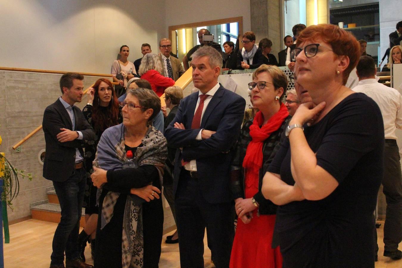 Edith Graf-Litscher fiebert dem Wahlergebnis entgegen. (© FM1Today)