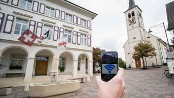 Jedes europäische Dorf und jede Stadt soll bis 2020 mit kostenlosem Internetzugang ausgestattet werden – in der Schweiz wird dies kaum der Falls sein.