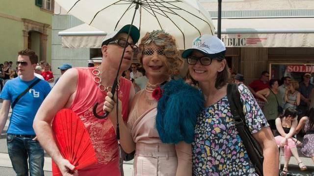 Teilnehmer an der Gay-Pride-Parade in Delsberg