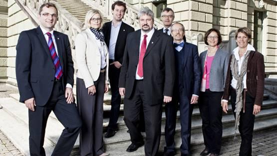 V.l.: Stefan Fritschi (FDP), Yvonne Beutler (SP), Nicolas Galladé (SP), Michael Künzle (CVP), Arthur Frauenfelder (Stadtschreiber), Matthias Gfeller (Grüne), Pearl Pedegnana (SP), Barbara Günthard-Maier (FDP) Foto von: www.stadt.winterthur.ch