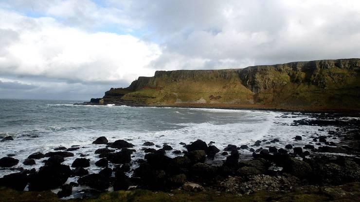 Die irischen Küsten sind schön. Aber Schweizer Touristen müssen nun nach ihrem Urlaub in Quarantäne.