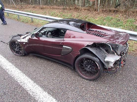 Ein Autofahrer hat auf der Autobahn A1 bei Kölliken die Kontrolle über sein Fahrzeug verloren. Bei dem Unfall wurden vier Autos beschädigt. Verletzt wurde niemand.