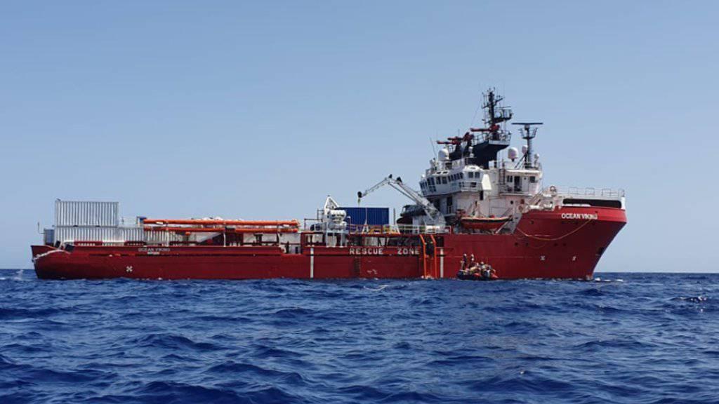 Das Rettungsschiff «Ocean Viking» war während zwei Wochen auf dem Mittelmeer blockiert. Nun nimmt Malta die 356 Flüchtlinge an Bord vorübergehend auf. (Archivbild)