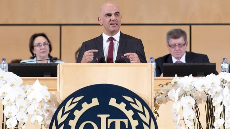 Bundesrat Alain Berset verteidigte die Bedeutung der ILO - auch im Zeitalter der Digitalisierung und der Globalisierung.