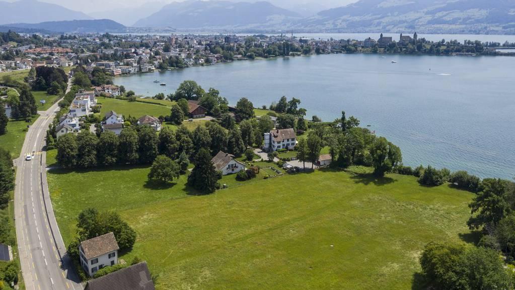Blick auf das rund 16'000 Quadratmeter grosse Grundstück von Tennisspieler Roger Federer in Rapperswil-Jona.
