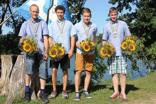 Doppelsieg für die Junioren. In der Mitte die Sieger Fabian Huber und Colin Schori. Links Stefan Suter und rechts Alex Bieri