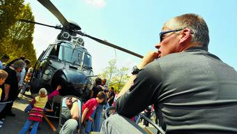 Zwei Militärhelikopter sind gestern für die mia-Sonderausstellung eingeflogen worden.