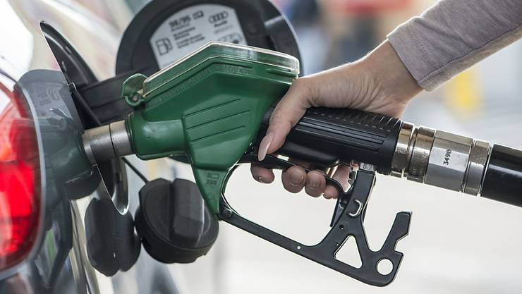 Kein Benzin mehr: Im Grossraum Paris sitzen wegen eines Streiks zahlreiche Tankstellen auf dem Trockenen. (Symbolbild)