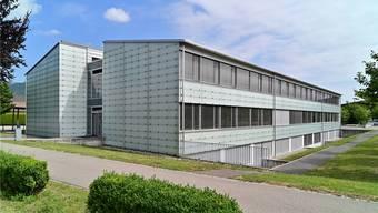 Das Carpe-Diem-Schulhaus in Neuendorf. Eines der insgesamt drei Schulhäuser der Kreisschule Gäu.