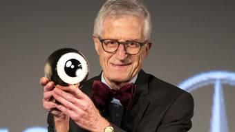 Der Zürcher Regisseur Rolf Lyssy ist am Montagabend im Zürcher Kino Corso mit dem Career Achievement Award des Zurich Film Festival (ZFF) ausgezeichnet worden.