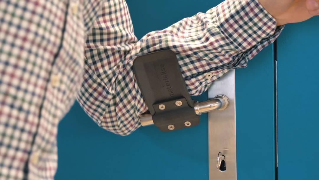 Freihändig Türen öffnen: Brugger Firma stellt gratis 3D-Druckvorlagen online