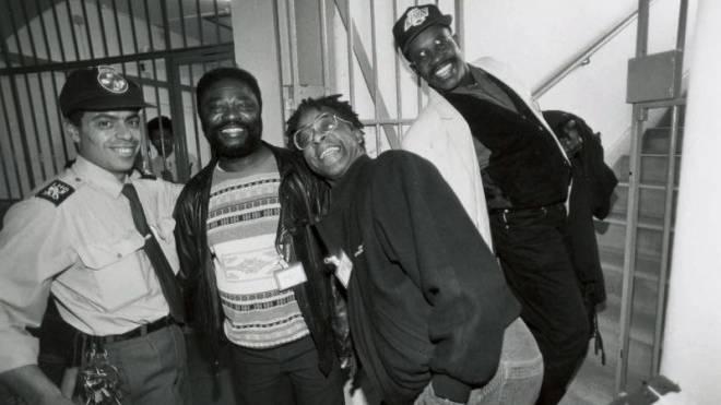 Schällemätteli, 1994: Der Auftritt der Band Osibisa freute nicht nur die Gefangenen, sondern auch das Personal. Foto: ZVG/Baloise Session