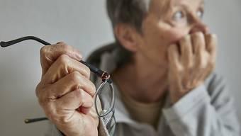 Auf Platz eins der Sorgen liegt die Altersvorsorge, auf Platz zwei die Gesundheit, auf Platz drei die Ausländer. (Archivbild)