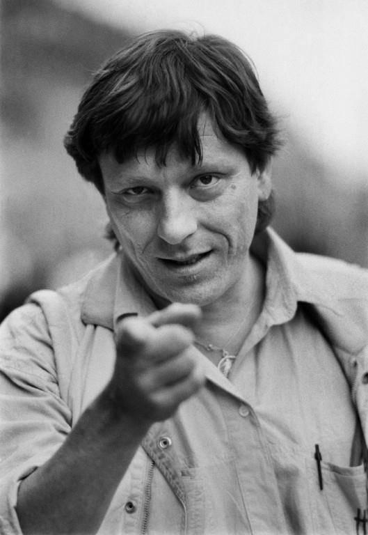 Portrait des Mundart-Rockers Polo Hofer im Juli 1987. (© Keystone)