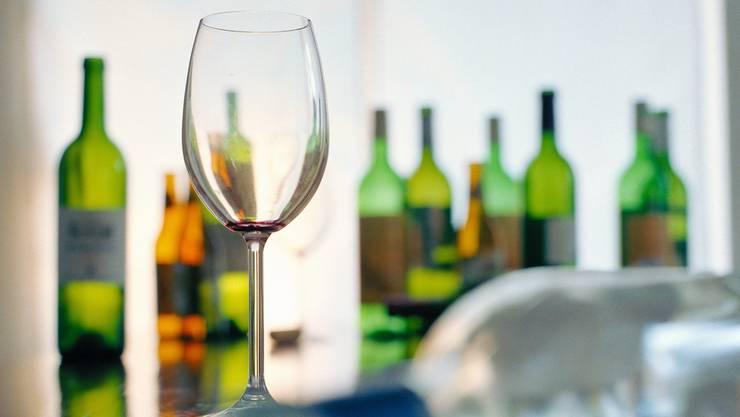 Alkoholkonsum ist der häufigste Grund, weshalb sich Personen bei der Suchtberatun in Brugg melden. (Symbolbild)