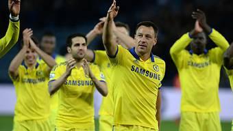 Johny Terry und seine Kollegen feiern den 3:1-Sieg bei Leicester