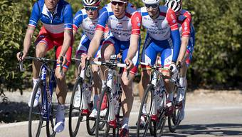 Das Team Groupama-FDJ mit Stefan Küng (vorne rechts) bei einer Trainingsfahrt