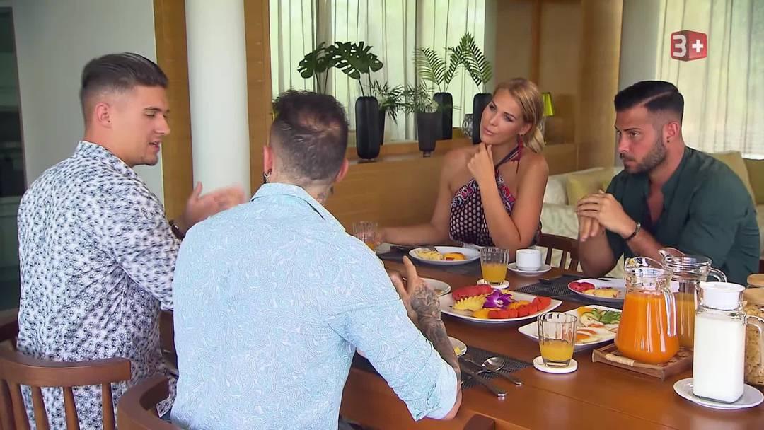Frühstück bei Chanelle in der Villa