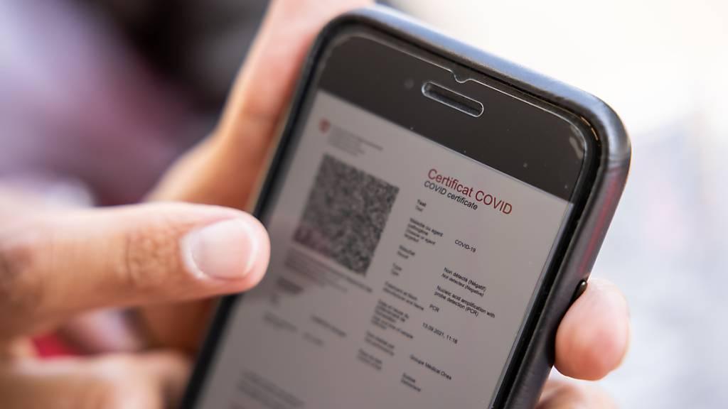 Personen ohne Covid-Zertifikat müssen bei der Einreise in die Schweiz ab diesem Montag einen negativen Test vorweisen. (Archivbild)