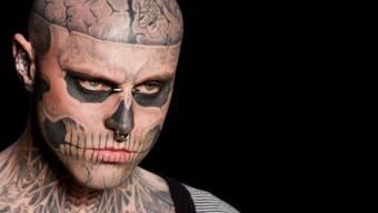 Der kanadische Tattoo-Künstler Rick Genest alias Zombie Boy ist tot. Das berichten diverse Medien.