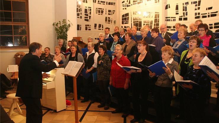 Letzter Auftritt des Ad-hoc-Chors Suhrental in der Kirche von Muhen. Peter Weingartner