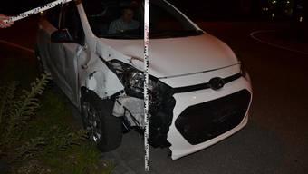 Bei einem Selbstunfall wurde das Fahrzeug des Lenkers massiv beschädigt.
