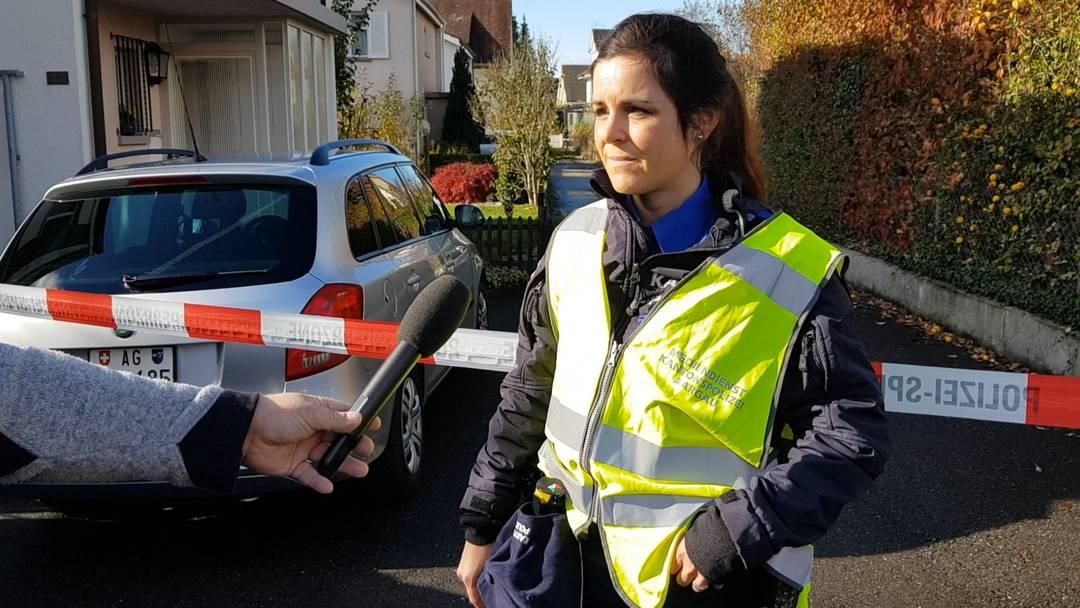 Corina Winkler, Mediensprecherin Kantonspolizei Aargau am Tag des Tötungsdelikts von Buchs: «Der Tatverdächtige dürfte sich unter den Opfern befinden.» (2.11.2020)