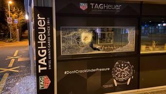 Wettingen: Einbruch in Bijouterie – unbekannte Täterschaft mit Fahrrad geflüchtet.