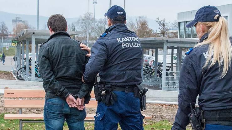Die Kantonspolizei Aargau hat am Donnerstag vier Diebe verhaftet. (Symbolbild)