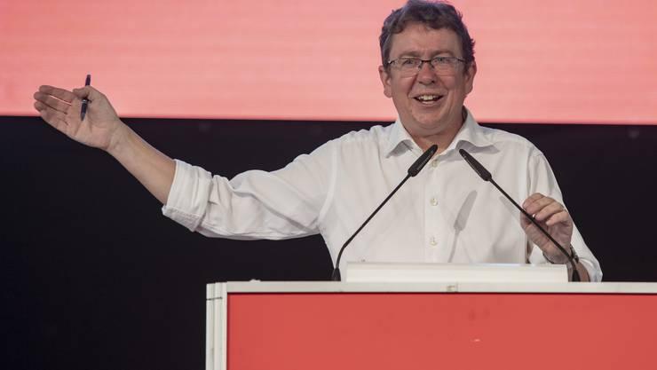 SVP Parteipraesiedent Albert Roesti bei seiner Rede anlaesslich des Parteifests und Wahlauftakts der SVP Schweiz vom Samstag, 31. August in Sattel.