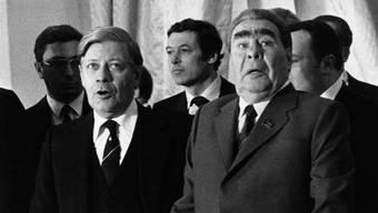 1980: Helmut Schmidt mit dem damaligen Staatschef der Sowjetunion, Leonjd Breschnew.