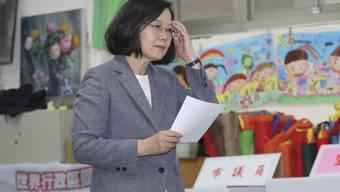 Die taiwanesische Präsidentin Tsai Ing-wen hat nach der Wahlschlappe den Parteivorsitz niedergelegt.