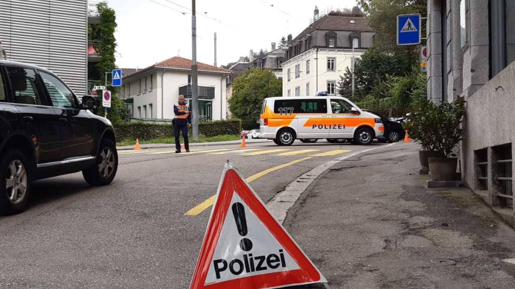Nach einem Gewaltdelikt und einem Schusswaffeneinsatz durch die Polizei an der Speicherstrasse in St. Gallen dauerten am Mittwochabend die Ermittlungen der Staatsanwaltschaft an.