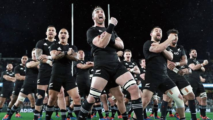 Vor jedem Länderspiel führen die Neuseeländer den traditionellen Kriegstanz «Haka» auf.