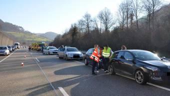 An den drei Auffahrkollisionen waren sieben Fahrzeuge beteiligt.