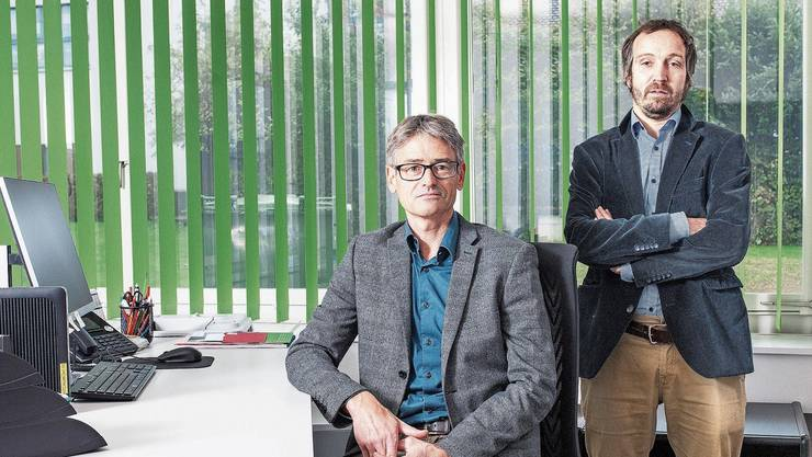 Hans-Peter Budmiger, Präsident Pro Senectute Aargau, und Geschäftsleiter Pirmin Kaufmann auf der Beratungsstelle in Wohlen.