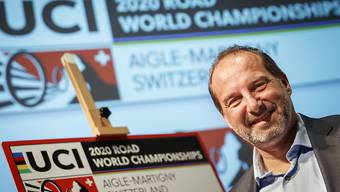 Richard Chassot, der Sportdirektor des Organisationskomitees, spricht in Martigny über den Stand der Dinge
