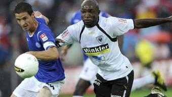 Patrick Bengondo (rechts) schoss den ersten Treffer des FC Aarau in dieser Saison
