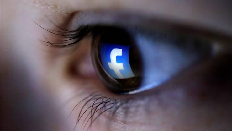 Pädophile suchen im Netz nach Opfern (Symbolbild). Dado Ruvic/Reuters