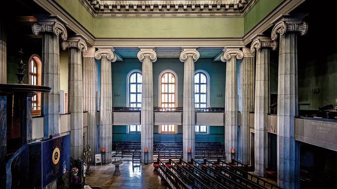 Die reformierte Stadtkirche bekennt Farbe