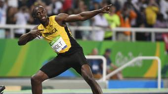 Bolt feiert seinen 200-m-Sieg in Rio.