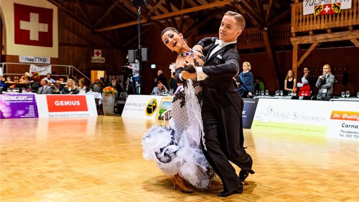 Zwei, die harmonieren: Natalie Cremar und Philipp Hofstetter haben sich an den Schweizer Meisterschaften alle drei Junioren-Titel geholt. Reinhard Egli