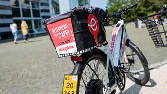 Darf man nicht stehen lassen, wo man will: die Elektrovelos von Pick-E-Bike. Bild: Kenneth Nars (Münchenstein, 30.August 2019)