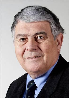 Felix Eymann präsidiert die Medizinische Gesellschaft Basel (Medges), sie ist der Berufsverband der in Basel-Stadt tätigen oder wohnhaften Ärztinnen und Ärzte. Im Grossen Rat sitzt der Chirurg unter anderem in der Gesundheits- und Sozialkommission. Eymann ist Mitglied der LDP und Bruder des Basler Alt-Regierungsrats Christoph Eymann.