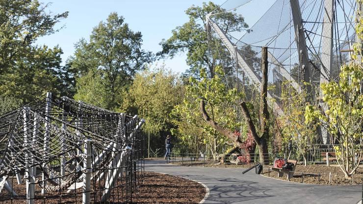 Links ist der Kletterpark für Kinder zu sehen.