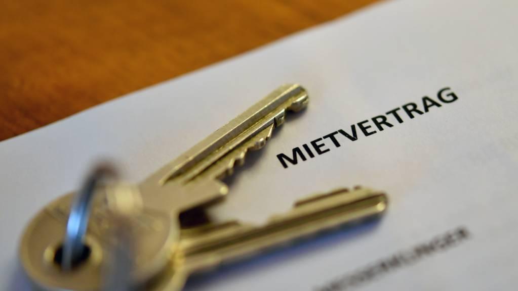 Schweizer Wohnungen wurden im Oktober zu tieferen Mieten als noch im September ausgeschrieben. (Themenbild)