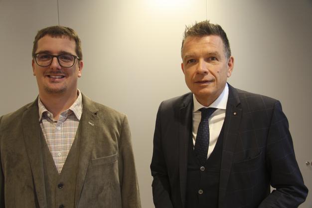 Heinrich Matter, Projektleiter, und Fredy Miller, Direktor Aare Seeland mobil AG an der Medienorientierung